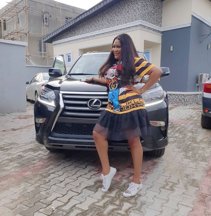 Just Look At Your Father! Nigerians Blast Uche Elendu