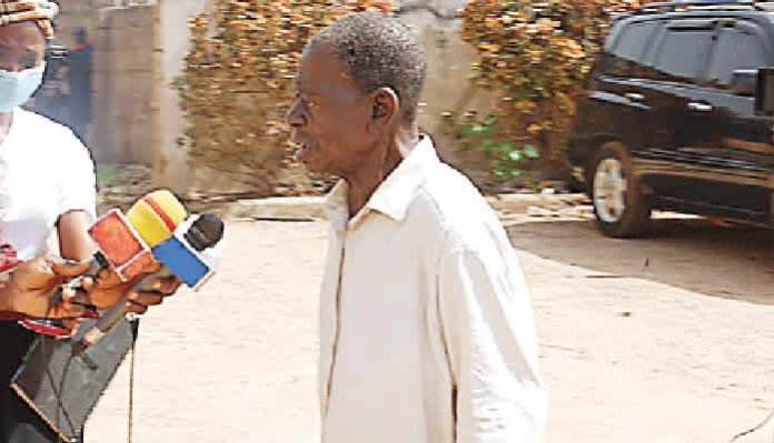 Man Samuel Darisa 65-year-old sleeps with 10-year-old girl