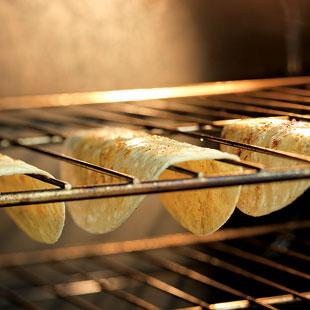 taco_shell_baking_mj07_310