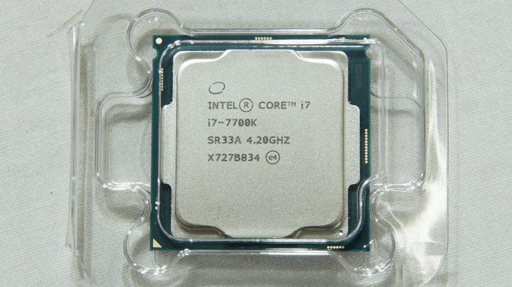 Intel Core i7-7700k 4.20GHz 本体