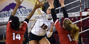 NMSU volleyball wins conference home opener against Seattle University