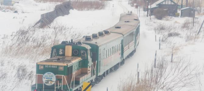 雪の中の鉄道