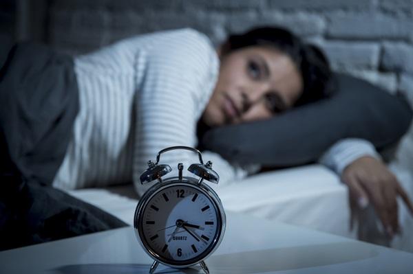 仕事が不安で眠れない