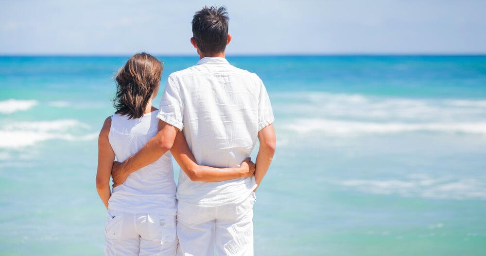 国際結婚相談所(業者婚)では、お付き合いの期間が認められていて、海にも自由にデートへ行ける