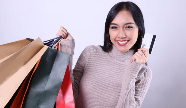 日本のビザとお金を目的に日本人男性と結婚する買い物好きの外国人女性