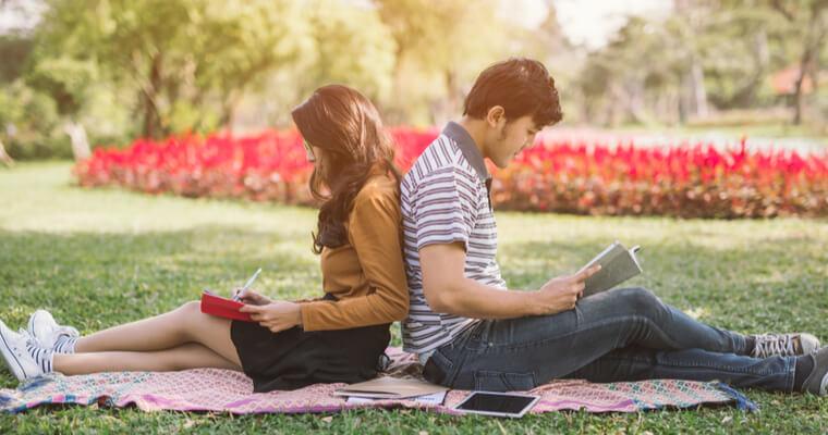 国際結婚する人はモテない、負け組。周囲の目が気になる