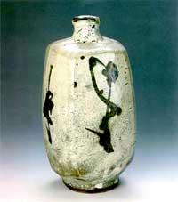 浜田庄司 「壷」 28.5×14.5cm  1962製作 日本民芸館蔵
