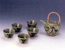 バーナード・リーチ 「土瓶と湯呑」 土瓶 h:10cm 湯呑 h:5cm 1919製作 日本民芸館蔵