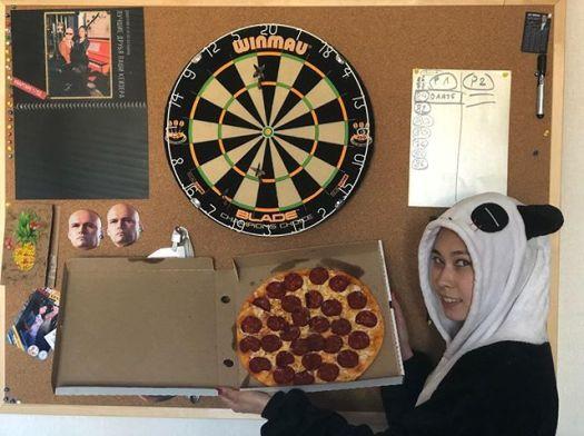 ⠀Дарим сразу три пиццы за комментарий!Розыгрыш от «Пиццамэн» и «Химии Развлечений»!!! В этот раз мы отведали такой вот мужской комбо «For mеn»! Отличный набор, а мексиканская пицца - просто огонь во всех смыслах))) Наелись от души, можно и поиграть!⠀Играем мы по всем известным и простым правилам:⠀1. Подпишись на @kolbin и @pizzaman_27!2. В комментариях укажи друга!3. Чем больше комментариев, тем больше шансов, мы учитываем количество (естественно, друзья не должны повторяться).4. В воскресенье вечером. 28 апреля в 21:00 мы выйдем в прямой эфир и проведём розыгрыш среди комментаторов в формате интерактива со зрителями эфира.5. Открой аккаунт)⠀Победители будут оглашены в прямом эфире, сразу же мы напишем их имена в этом посте, напишем в личку где и как забрать подарки!⠀Стартуем прямо сейчас! Удачи всем!⠀#giwaway #хабаровск #ХимияРазвлечений #конкурс #розыгрыш #типичныйхабаровск #доставкапиццы #пиццамэннакормит