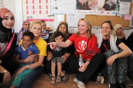 2017-18 Í Zaatara flóttamannabúðunum í Jórdaníu í tengslum við Alþjóðafund Save the Children 2017 (11)