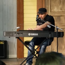 Napolilainen muusikko Mariano Rongo