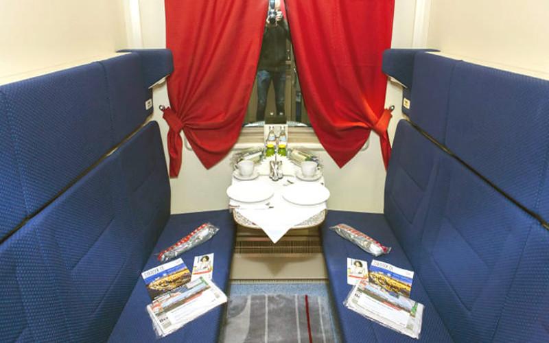 1 klasa w pociągu Rossija z Moskwy do Władywostoku