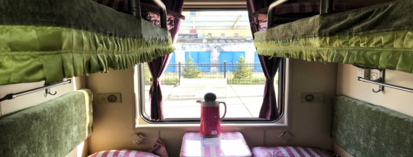 Przedział 2 klasy w pociągu transsyberyjskim