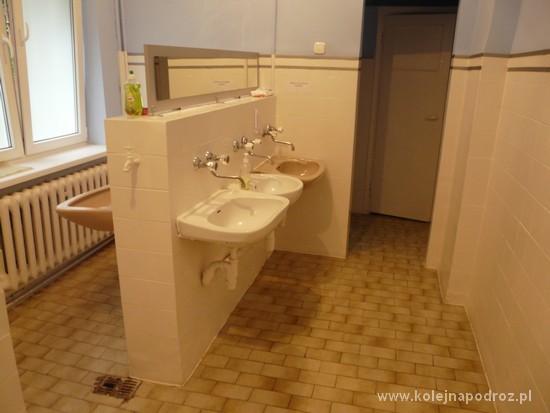 Bursa nr 2 w Elblągu - łazienki
