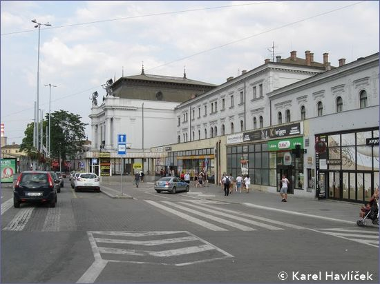 Brno hlavní nádraží - wejście od strony postoju taksówek