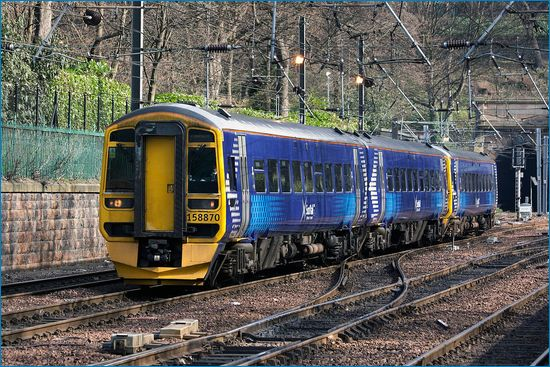 Typowy szkocki pociąg aut. Ingy The Wingy, CC-BY-ND, flickr.com