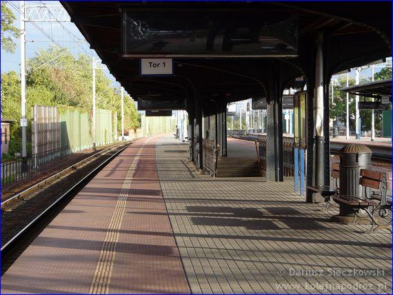 Brzeg - dworzec kolejowy - peron 1