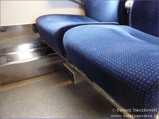 IC Ślązak - gniazdko pod fotelami