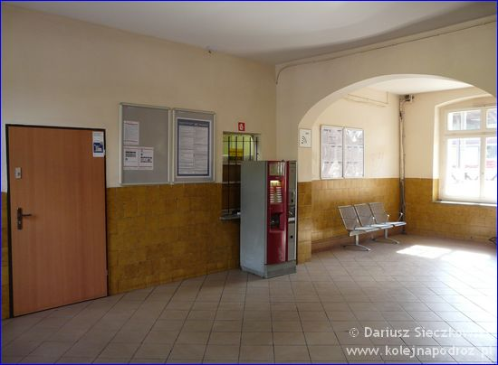 Oława - hol dworca