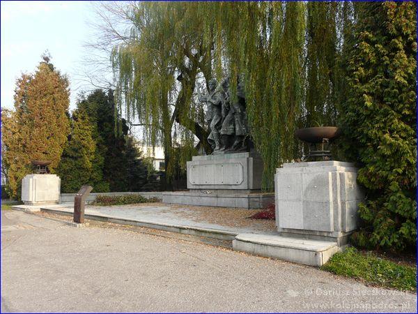 Czechowice-Dziedzice - pomnik Braterstwa Broni