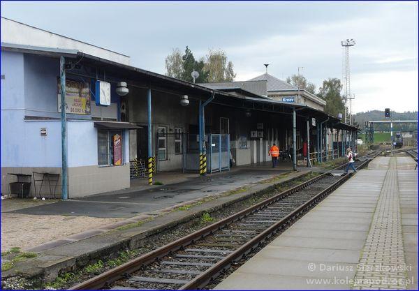 Dworzec kolejowy Krnov od strony peronów
