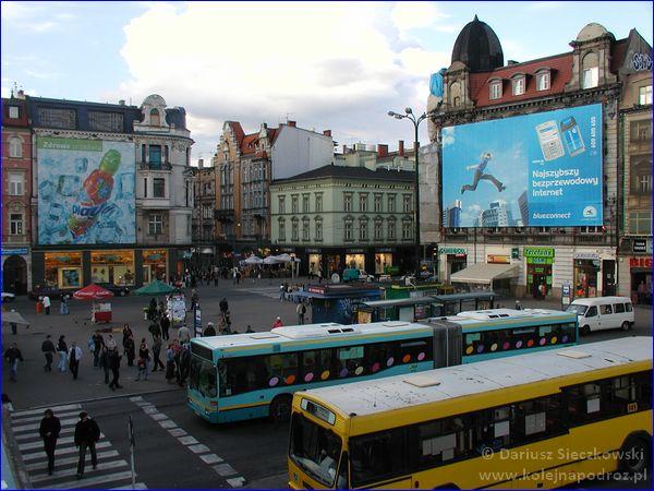 Katowice - plac przed dworcem w 2006 roku