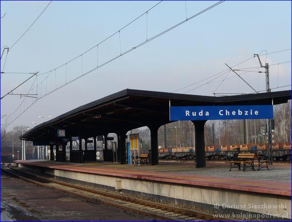 Ruda Chebzie - dworzec kolejowy - peron