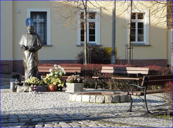 Kościan - pomnik Jana Pawła II