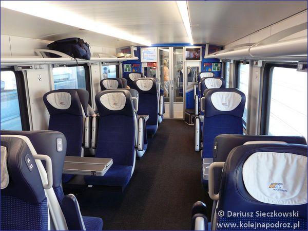 Pierwsza klasa pociągu Flirt PKP Intercity