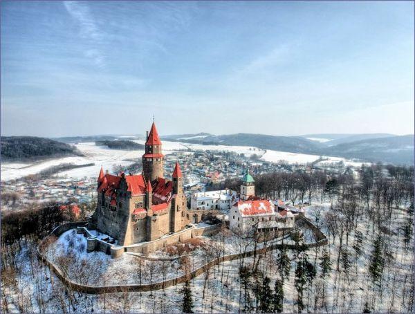 Bouzov zamek