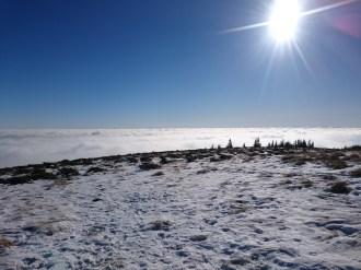 Szombat, január 2-a, Kisbánya üdülőtelep környéke. Felhőtenger (László Tamás felvétele)
