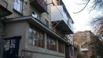 A Moldovai Köztársaság fővárosában egyedi módszert találnak a lakásbővítésre