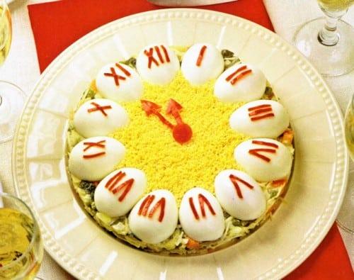 Новорічний салат «Годинник»