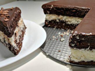 """Торт """"Баунті""""- рецепт з фото: шоколадний бісквіт з кокосовою начинкою"""