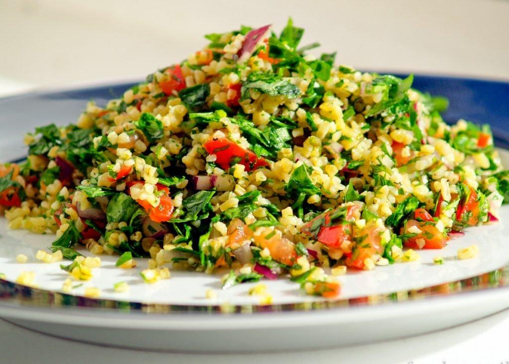 Табулє – східний салат з овочів та булгура