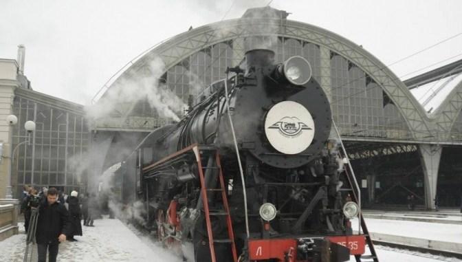 Ретро-поїзд знову запрошує у подорож