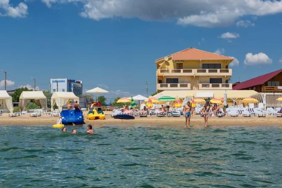 Куди поїхати на море в Україні — морські курорти України