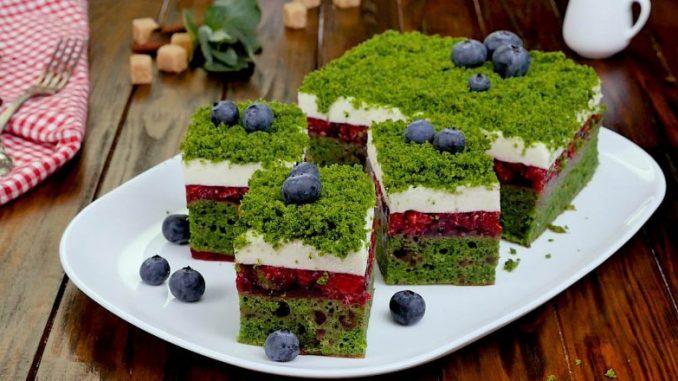 З шпинатом та полуницею — торт «Лісовий мох». Покроковий рецепт з фото