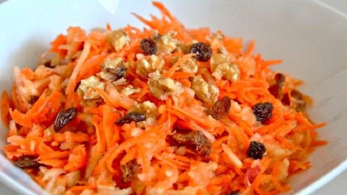 5 рецептів низькокалорійних салатів з морквою: приготування займає хвилини, а користь для організму – величезна