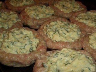 Ця страва з фаршу затьмарить будь-які котлети! 25 хвилин в духовці - обід готовий. Начинка - просто бомба!