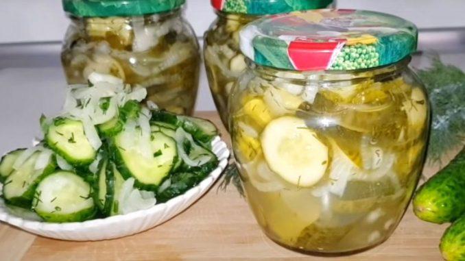 Часникові огірки на зиму — салат для тих, хто любить хрусткі та ароматні огірочки