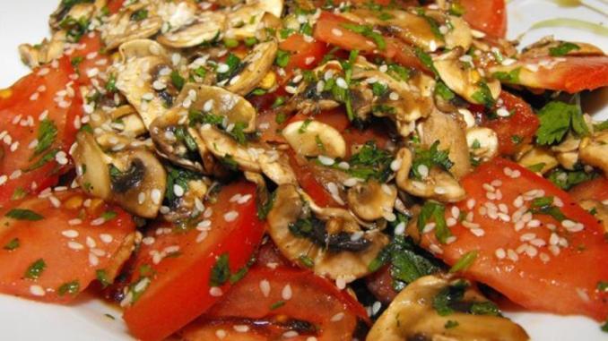 Так помідори мало хто готує, а даремно! Рецепт салату з помідорами за 5 хвилин. Я в захваті!
