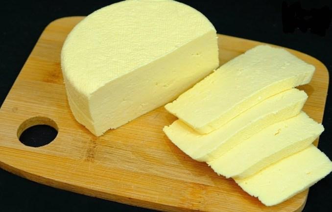 Досить купувати сир в магазині! Зробіть самі - всього 3 інгредієнта і 10 хвилин вашого часу!