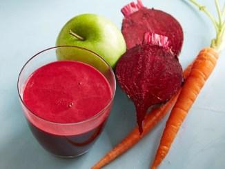 Всього три інгредієнти, які є на кожній кухні: смузі для краси і здоров`я за копійки