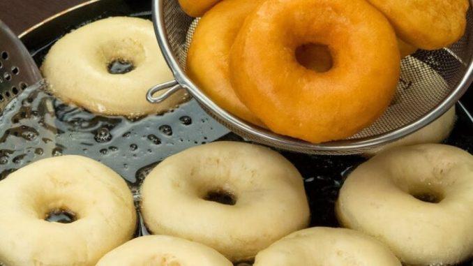 Мій улюблений рецепт пишних пончиків на молоці! Повітряні і дуже смачні!