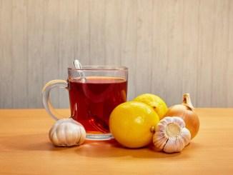 Цибуля, лимон та яблуко: ця трійка допоможе вам подолати кашель та застуду