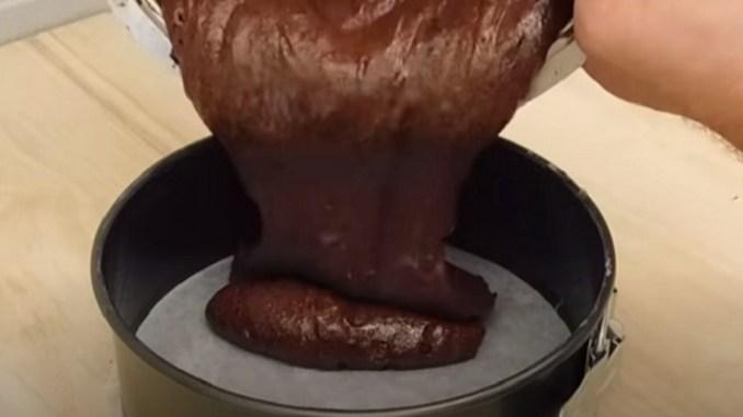 Всього 2 інгредієнти: дуже швидкий шоколадний торт