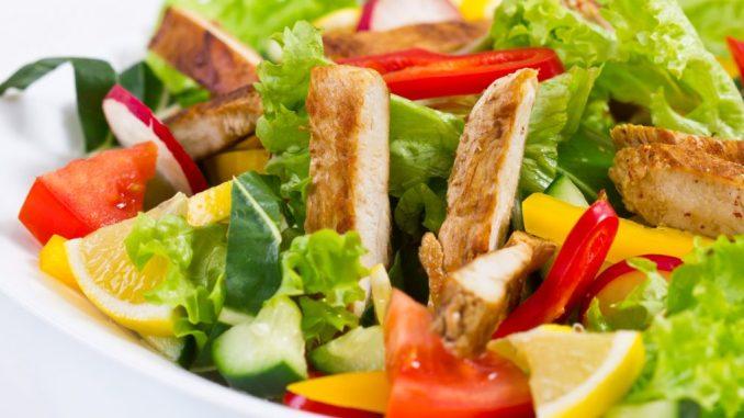Зимові салати, які допоможуть позбутися від зайвої ваги