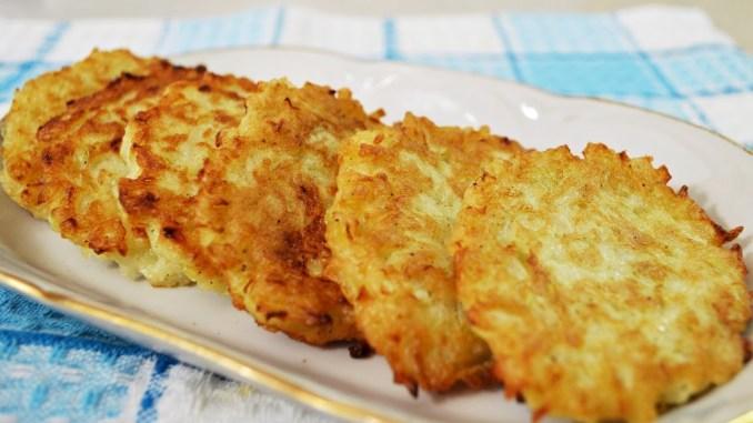 Без грама м`яса: смачні і ситні котлети з цибулі. За смаком нагадують тефтелі!