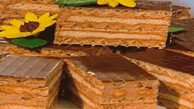 Торт з печива і вафель без випічки — покроковий рецепт